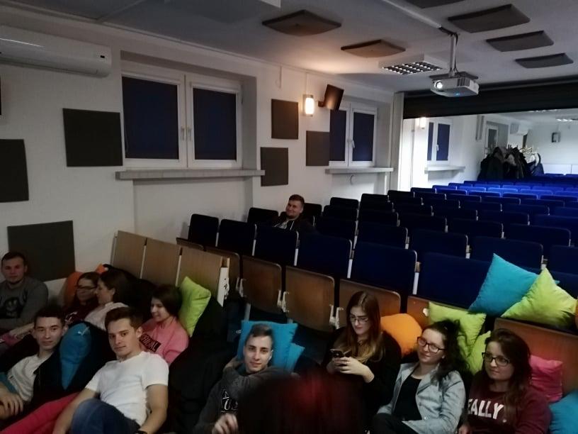 Esm Kino
